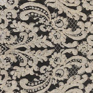 1532 paisley white lace